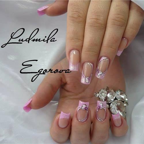 Nail art precise, curate, veramente perfette! https://www.facebook.com/photo.php?fbid=10152346170283453&set=pb.271651468452.-2207520000.1395334186.&type=3&theater