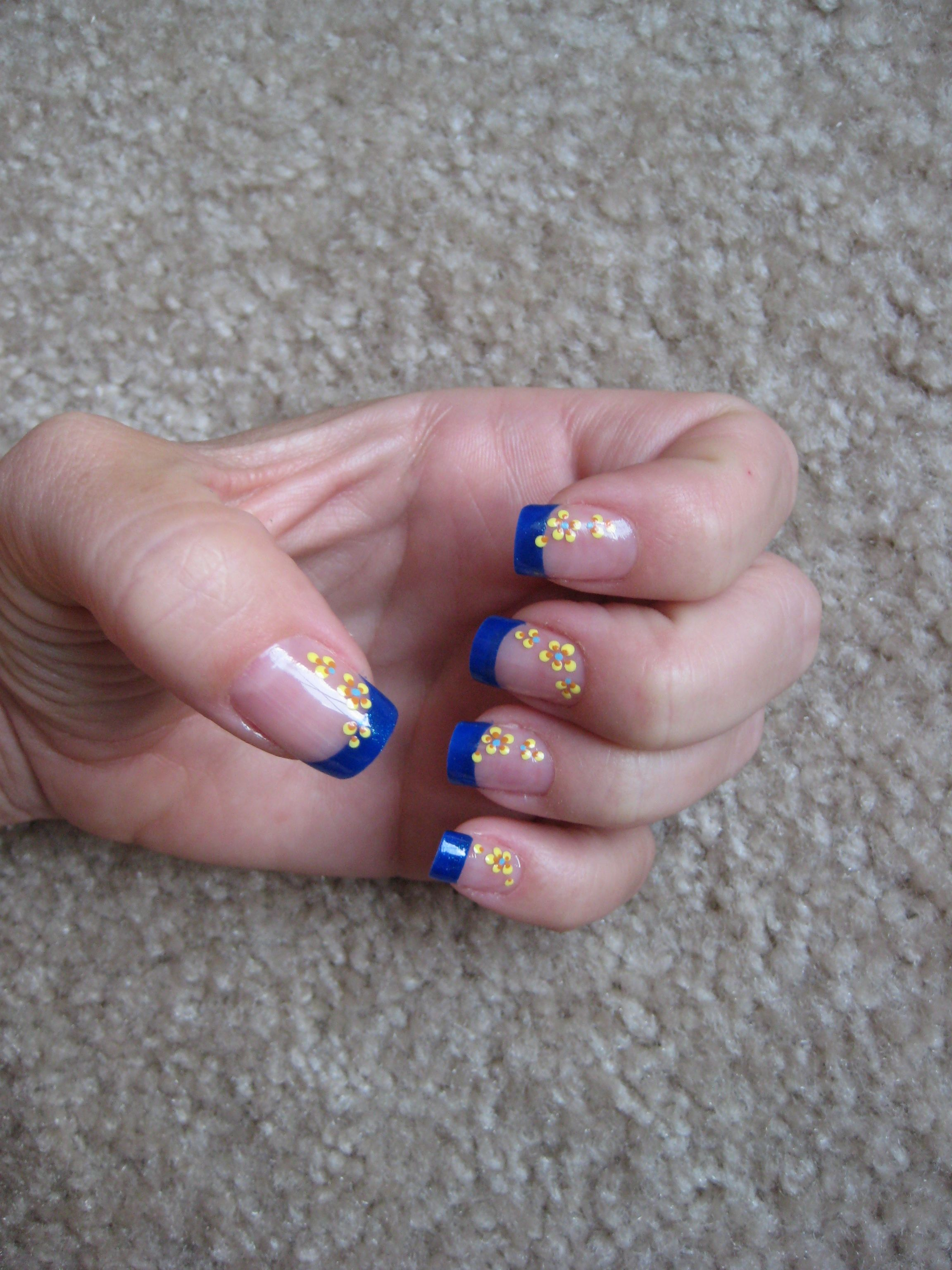 Royal Blue Tips With Yellow Orange Flowers Great Combo Nail Art Hanna S Nail Art