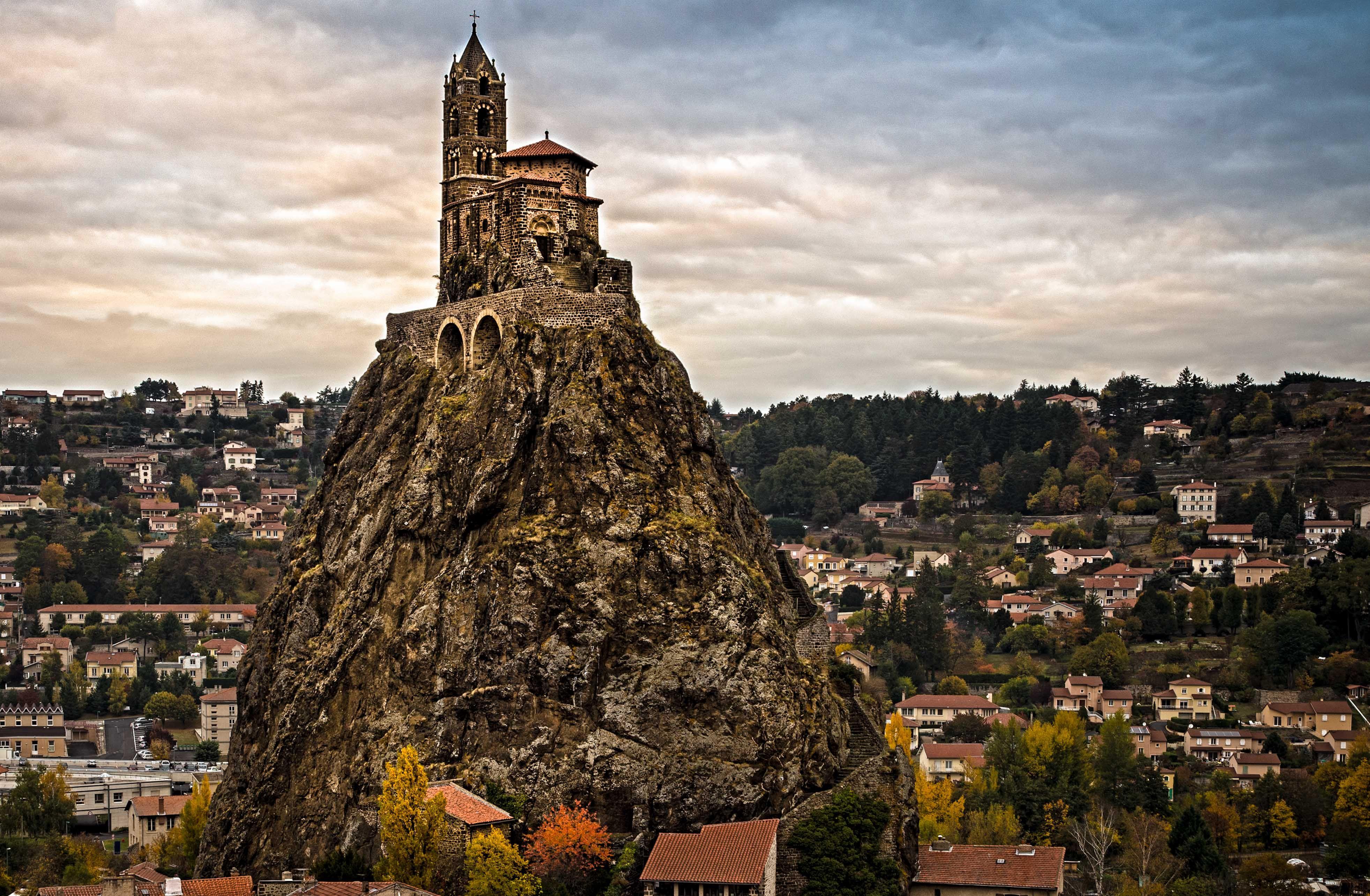 Architecte Le Puy En Velay france: le puy-en-velay   ancient buildings, beautiful