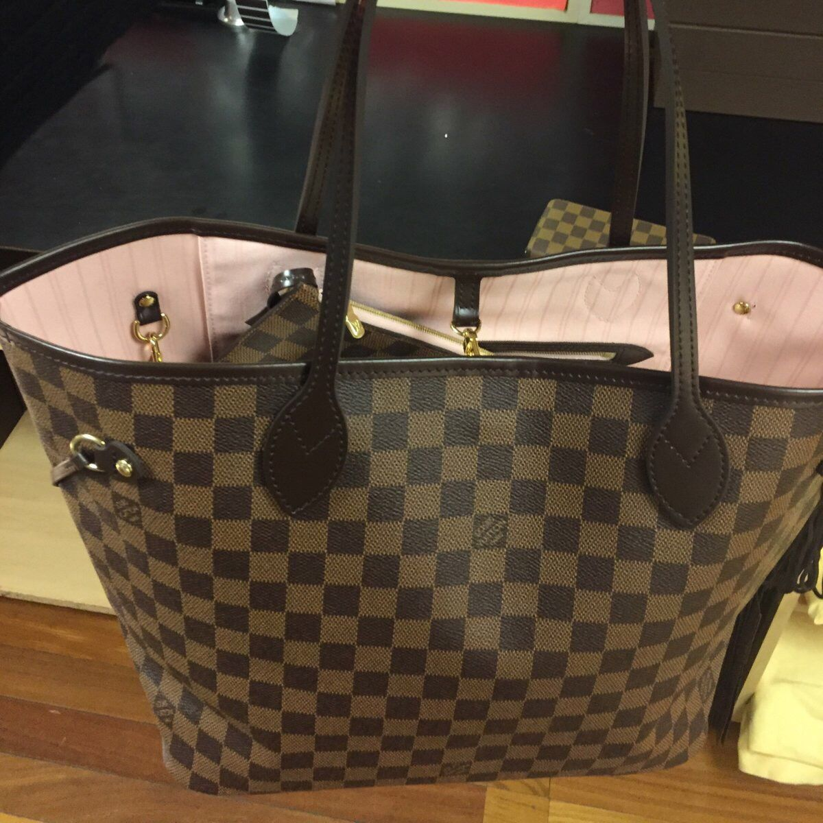 Louis Vuitton Neverfull Mm In Damier Ebene With Rose Ballerine Interior