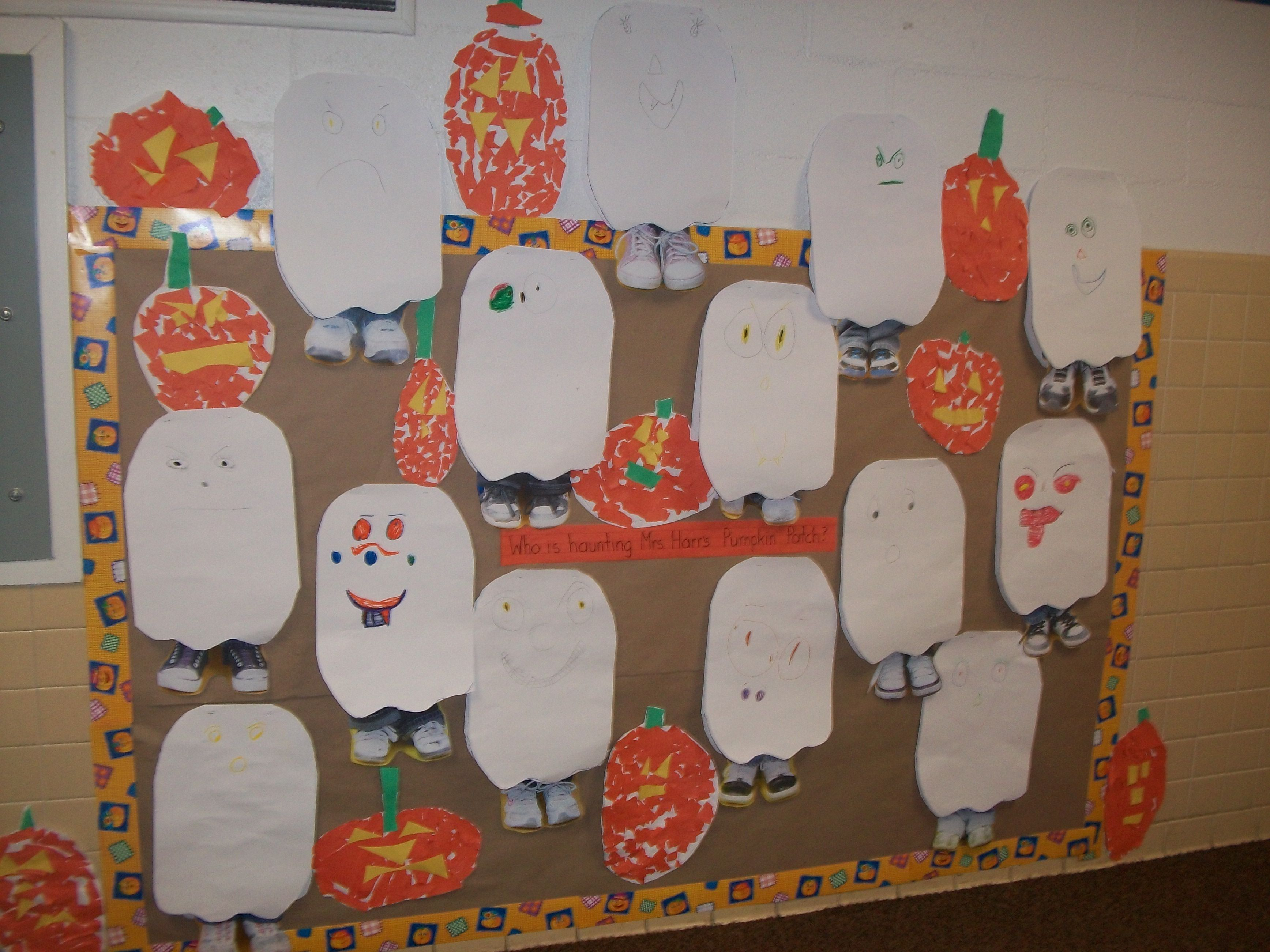 Ghosts in the Pumpkin Patch Bulletin Board.  Photos of each child's SHOES for his/her ghost! #pumpkinpatchbulletinboard