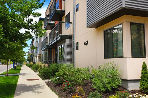 303-742-1550 | 1-3 Bedroom | 1-3 Bath Downtown Belmar Apartments 464 S. Teller St, Lakewood, CO. 80226