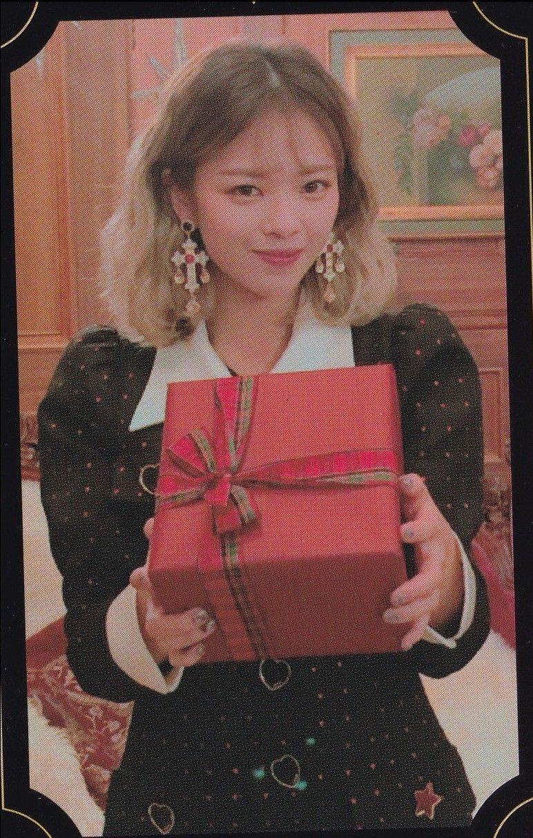 Jeongyeon : The year of YES Random Card [SCAN] | 01 The Year Of YES