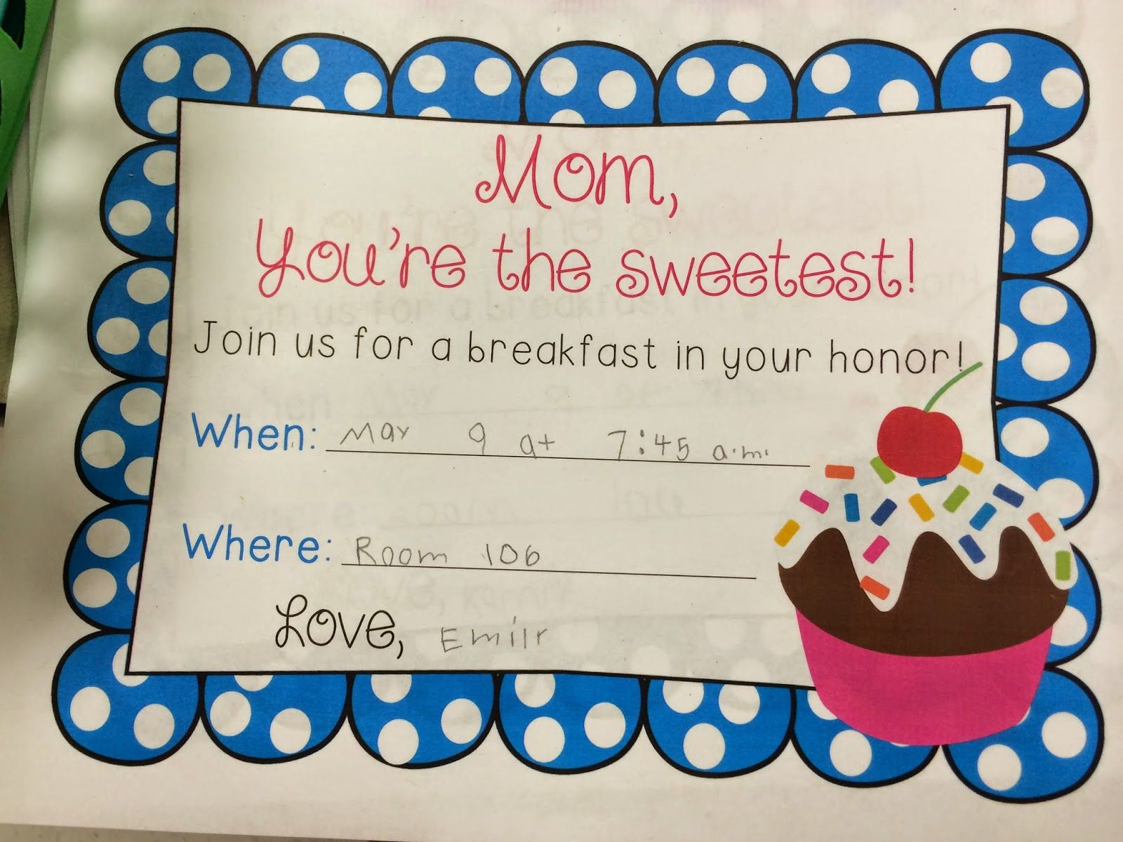 Friday we had our big muffins with mom breakfast my theme was cupcakes and mom you are the - Muffins fur kindergarten ...
