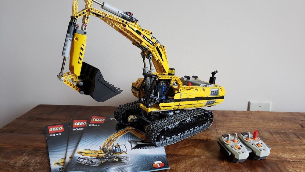 Lego Technic Motorized Excavator 8043 Used Complete Set With