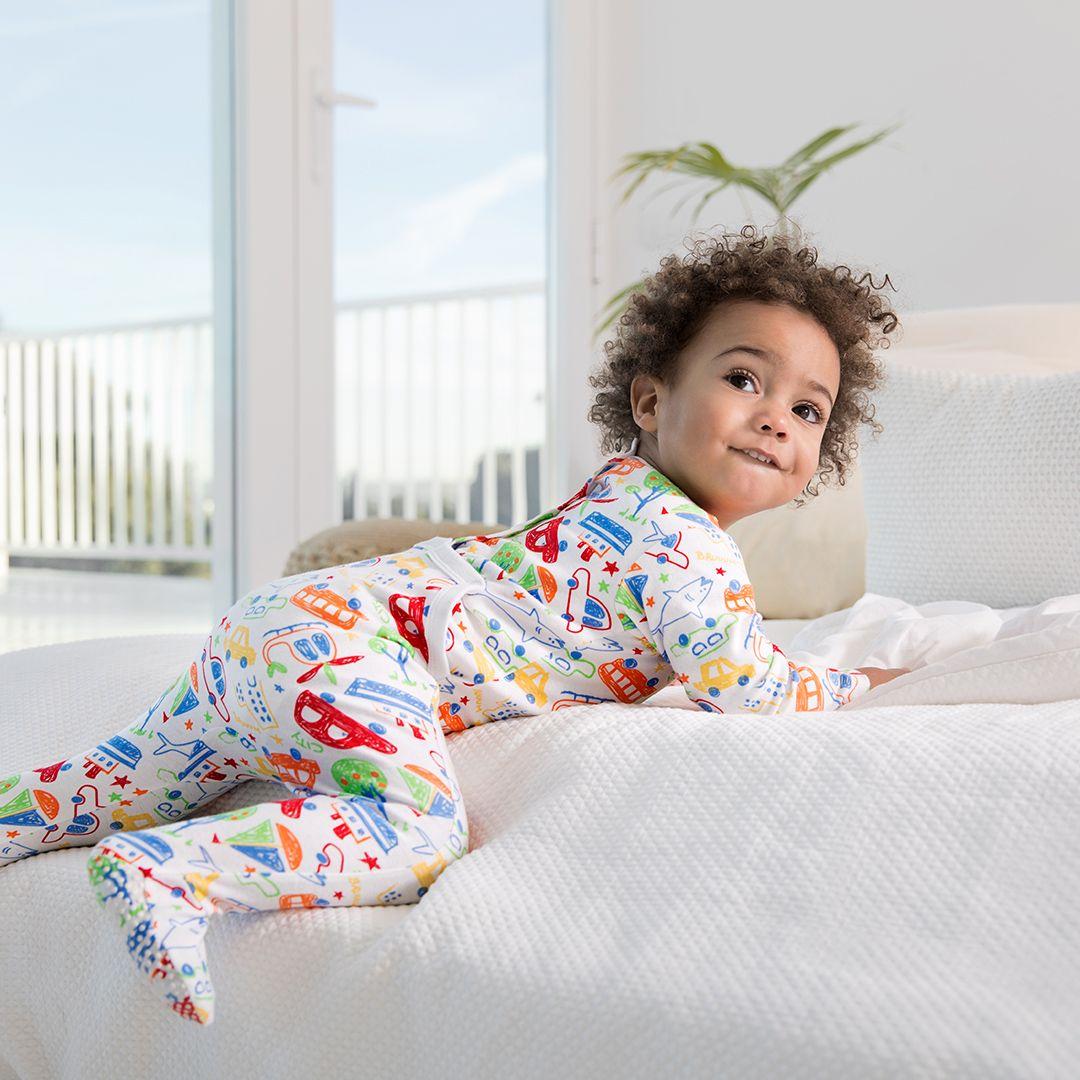dd56550c8d4 Peleles, pijamas de dos piezas, en bodys... tenemos todo para que tu ...
