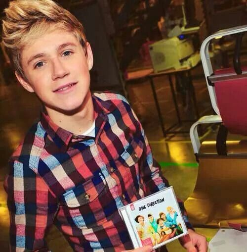 Niall advertising one direction