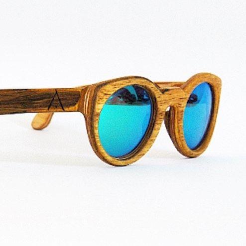 Irupé en Fraké y lentes espejadas! Be natural! Ao! #indianos #indianasformentera #formentera #formenterastyle #ibiza #ibizastyle #ibizalifestyle #wood #woodart #woodmade #woodwork #woodworker #woodworking #woodsunglasses #woodglasses #madera #madeinformentera #madeinwood #gafas #gafasdesol #gafasmadera #nyc#limitededition #edicionlimitada #ao de indianasformentera