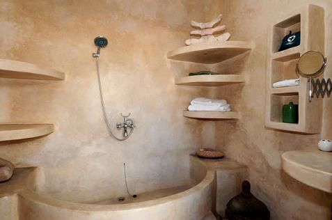 Bagno Tadelakt ~ The kitchen counter is made from tadelakt which is also a material