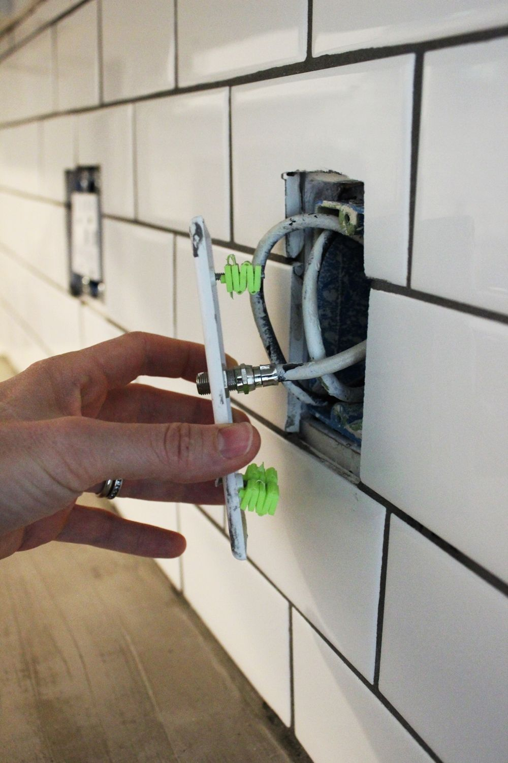 How To Install A Subway Tile Kitchen Backsplash Home Crafts Diy