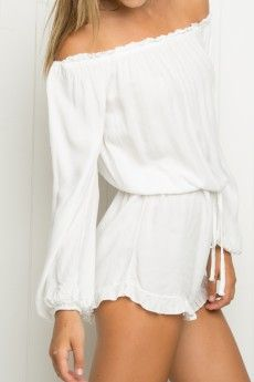Welcome To Brandy Melville Usa With Images Fashion Pretty Jumpsuits Long Sleeve Playsuit