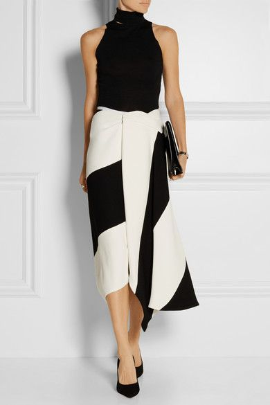 Victoria Beckham. This is just sooo amazing, isn't it, girls? Just imagine how it flows with you... mmmm, sweeet!: