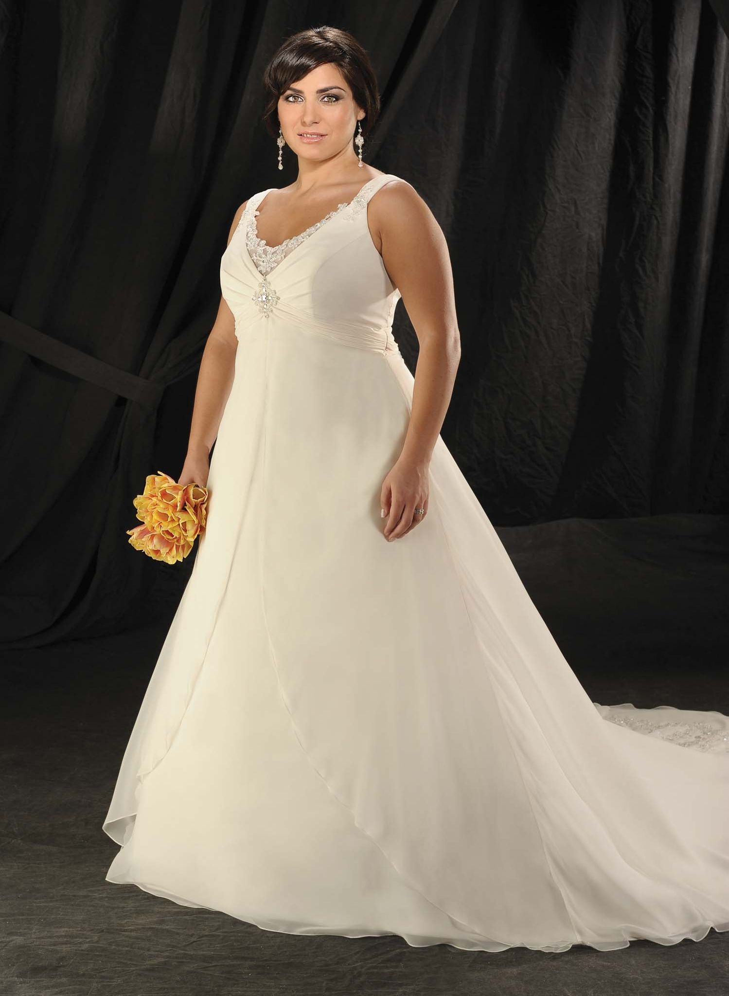 Plus Size Wedding Dresses Beautiful Looks for Women with