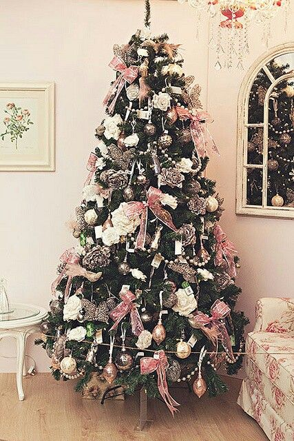 Original Green Christmas Tree Made Very Special With White Pearls Strung Pink Christmas Decorations Pink Christmas Tree Decorations Beautiful Christmas Trees