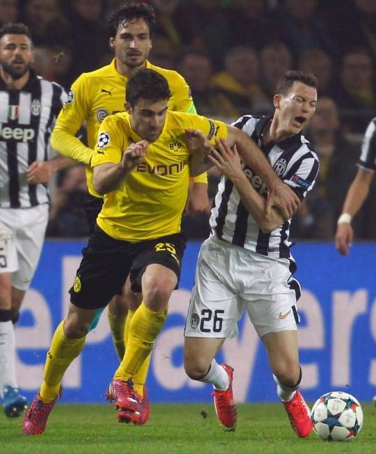 Nati-Star gegen Dortmund überragend! «Lichtsteiner hat die Kraft eines Kriegers» | Blick