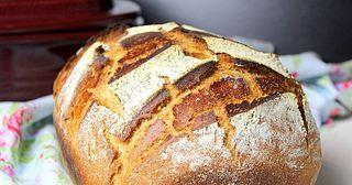 Für dieses Brot kam wieder unser heißgeliebter Zaubermeister zum Einsatz. Er eignet sich nicht nur fantastisch zu, Brot backen, auch für Braten, Schmorgerichte etc. möchten wir ihn nicht mehr missen.