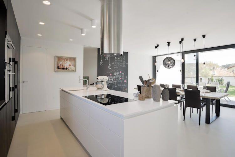 cuisine moderne avec ilot central avec rangements cuisine