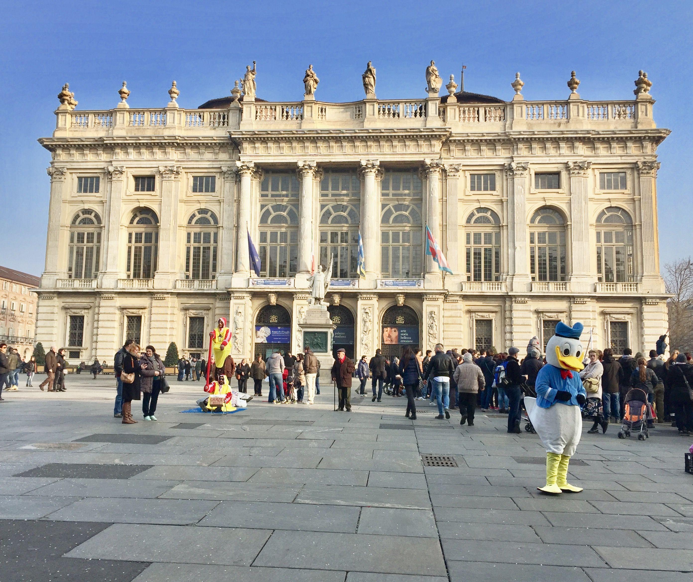 Piazza Castello ¨ la piazza principale di Torino cuore del centro storico della citt