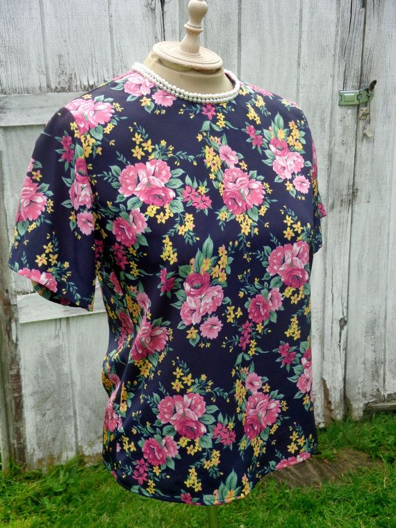 Vintage Floral Top Short Sleeve Navy/Pink Pearls by BosVintage