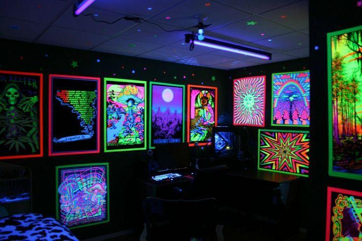 Diy blacklight room decor