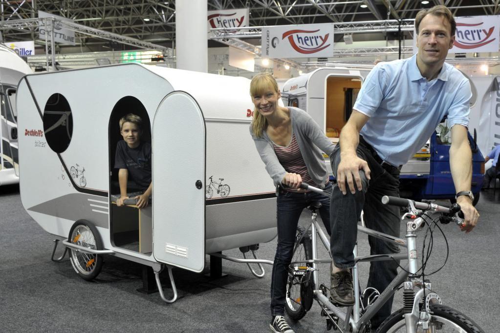 wohnanh nger f r radfahrer mini wohnwagen zugpferde und. Black Bedroom Furniture Sets. Home Design Ideas