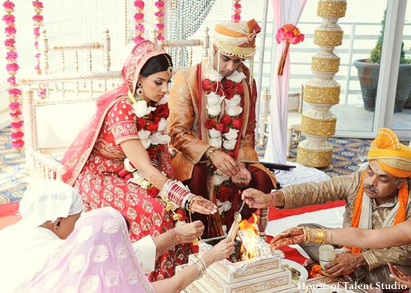 Indian Wedding Ceremony Fire Ritual Bride Groom Maharaniweddings Gallery Photo 2117
