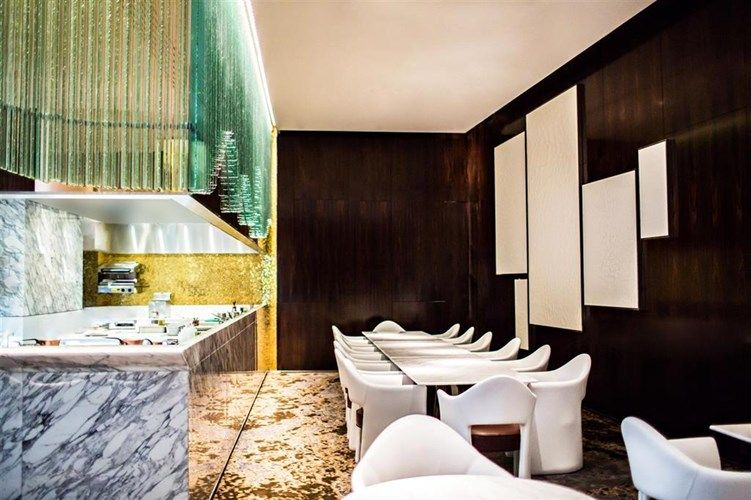 Restaurant Chef s Table at Prince de Galles, a Luxury Collection Hotel, Paris #France #travel