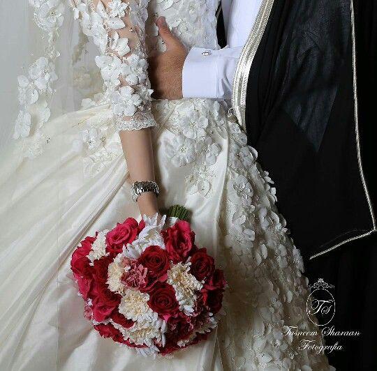 Saudi Wedding Arabwedding Arabcouple Arab Wedding Wedding Dresses Wedding