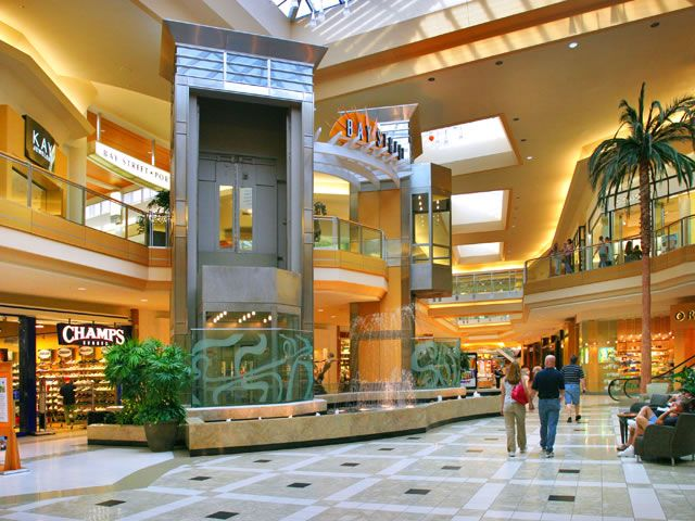 Technology At The Mall With Images Tampa Mall