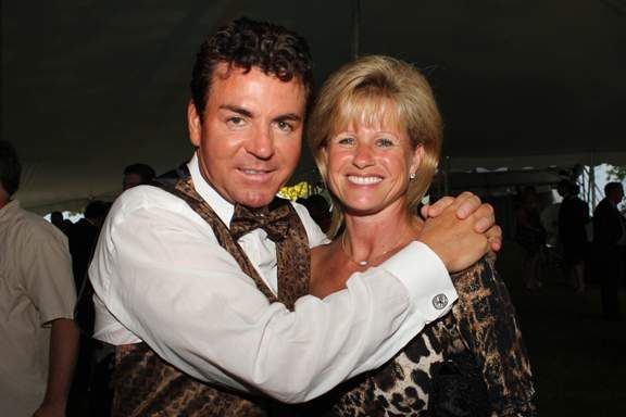 Meet Annette Schnatter Wife Of John Schnatter The Spokesman Founder And Ceo Of Papa Johns His Net Worth Has Been Estimated At 801 Million