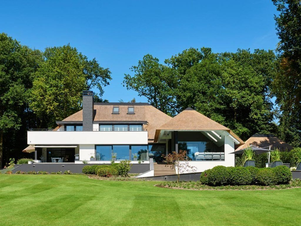 Villa te oldenzaal friso woudstra huis thatched