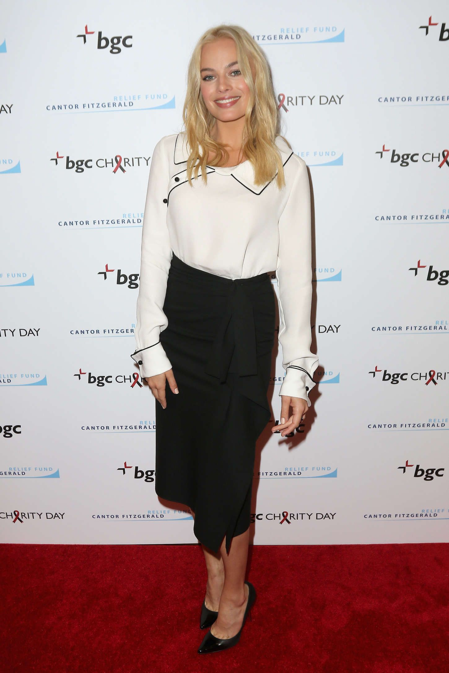 Margot Robbie Attends The Annual Charity Day Hosted By Cantor Fitzgerald And Bgc At Cantor Fitzgerald On September 11 2015 In New York C Margot Robbie Margot Robbie Pictures Hottest Female Celebrities
