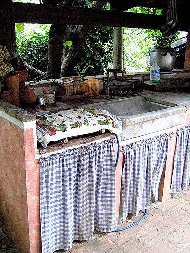Un angolo di cucina all aperto consigli per la casa e for Consigli per la casa