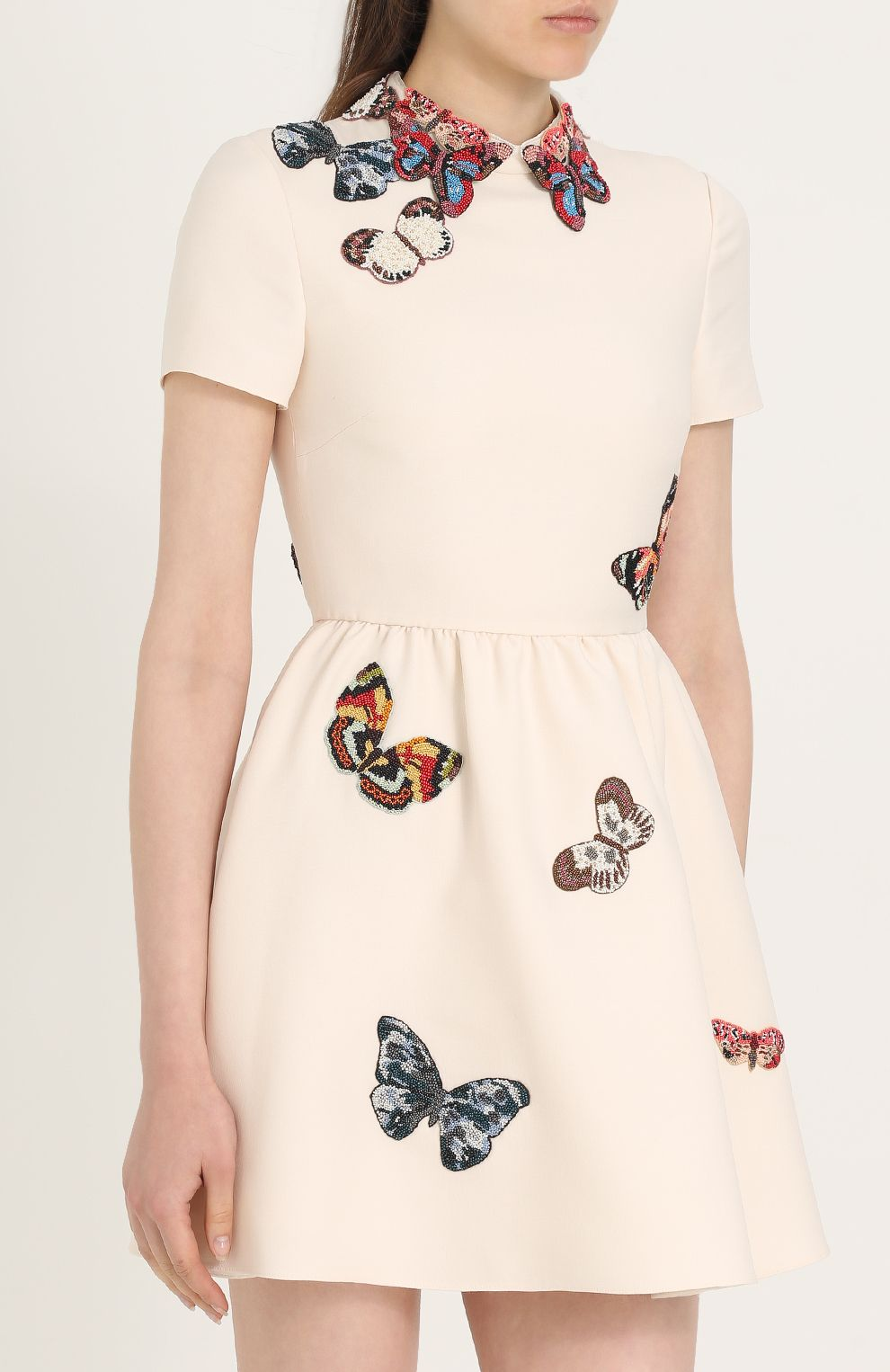 Вышивка бабочек на платье 90