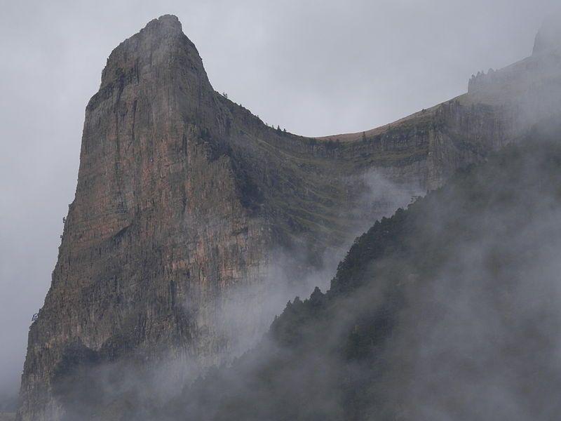 File:Tozal del Mallo, valle de Ordesa. Torla, Huesca.JPG