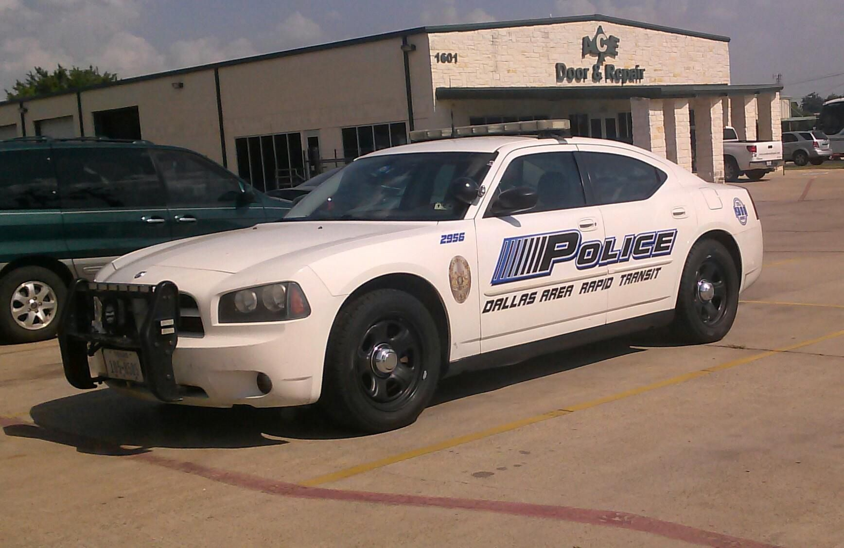 Mopar Police Vehicle Dodge Charger Pursuit With Images Police Cars Metro Police Cars Usa