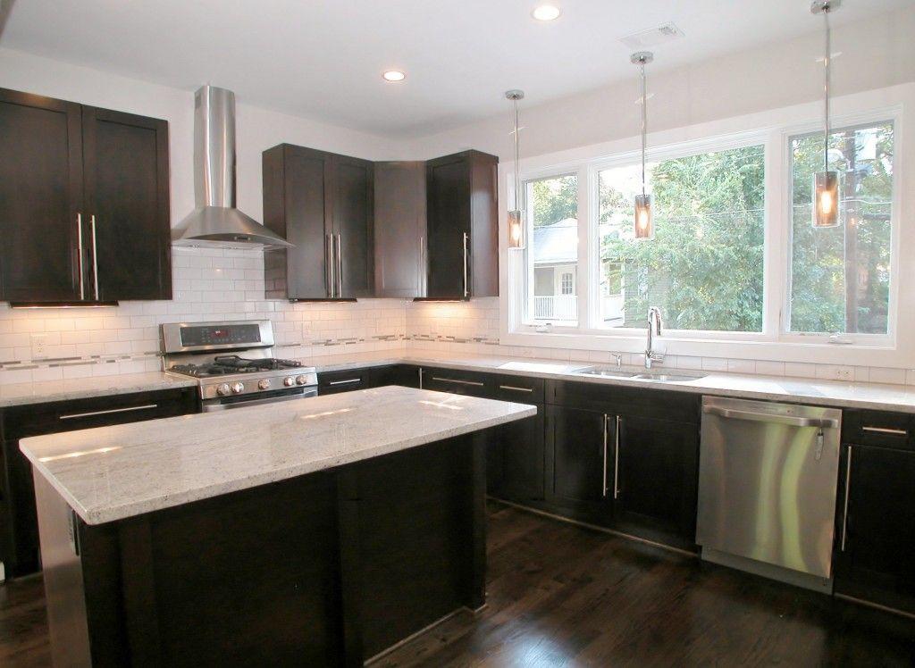 Best Modern Kitchen Features Dark Cabinets Granite Countertops 400 x 300