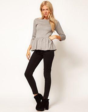 Suéter con sobrefalda de ASOS