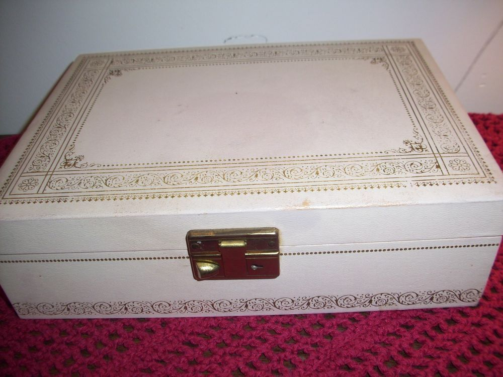 Antique Jewelry Box Vanity Box lined with pink velvet 1950s
