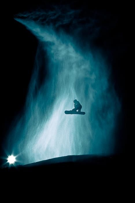 night snowboard ... Kudos to this photographer!  An almost impossible shot!