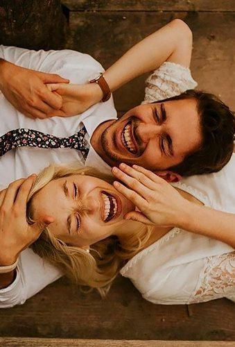 24 Creative Wedding Photo Ideas & Poses