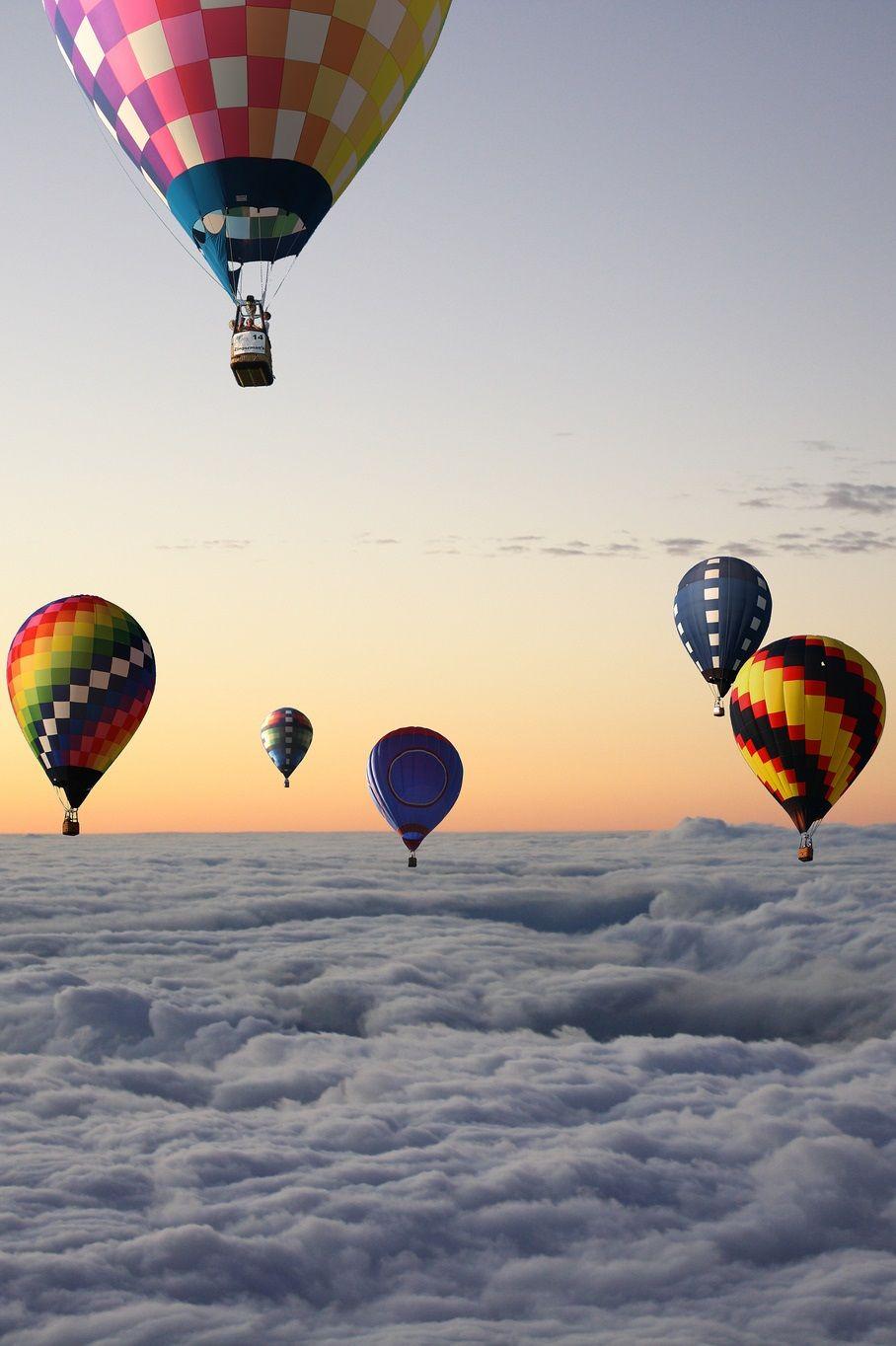 Надписью золотой, картинки с летящими шарами воздушными