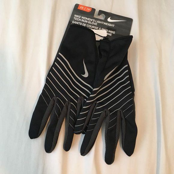 Nike running gloves NWT Never worn - NWT Nike running gloves size XS Nike Accessories Gloves & Mittens
