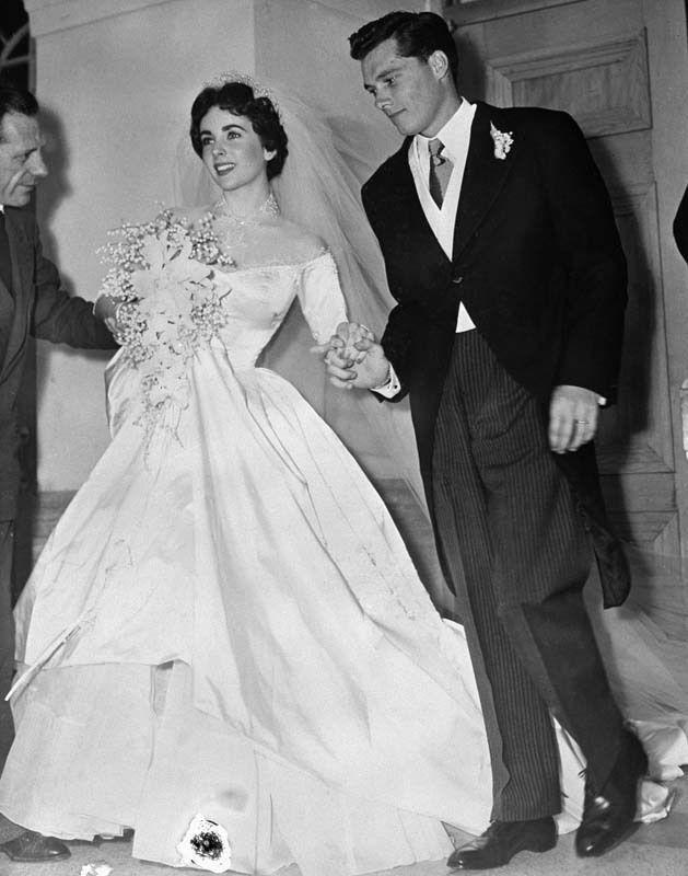 Mariage d 39 elizabeth taylor avec son premier poux conrad for Rebecca robe mariage taylor