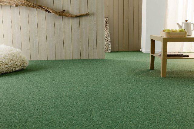 Moquette verte Balsan disponible chez décorasol salon