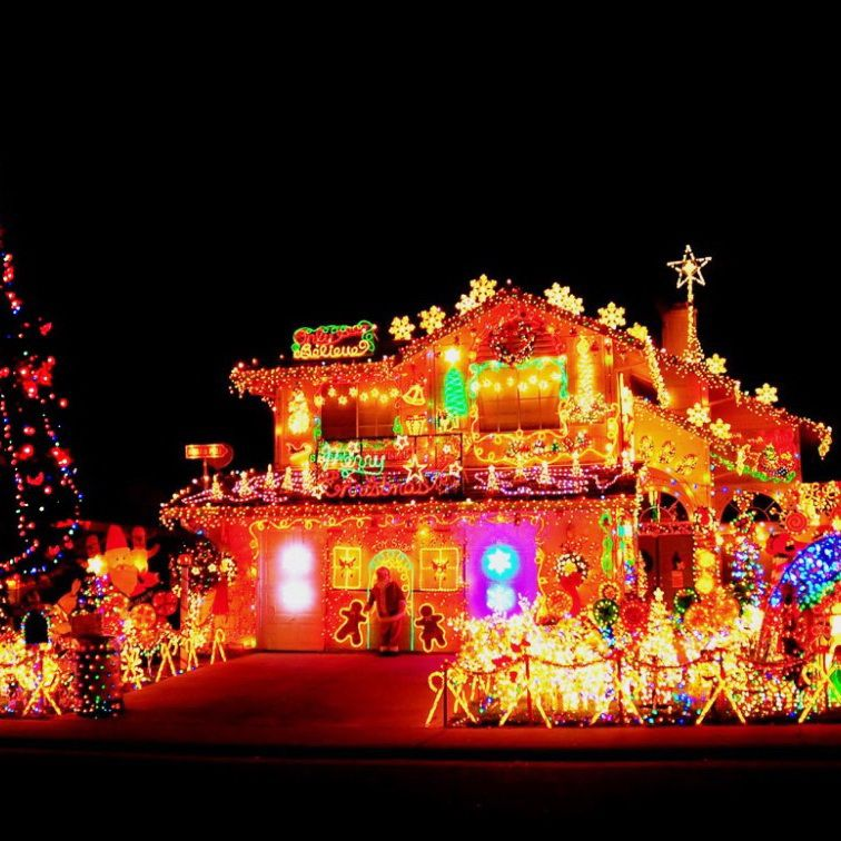 50 spectacular home christmas lights displays outdoor christmas 50 spectacular home christmas lights displays aloadofball Images