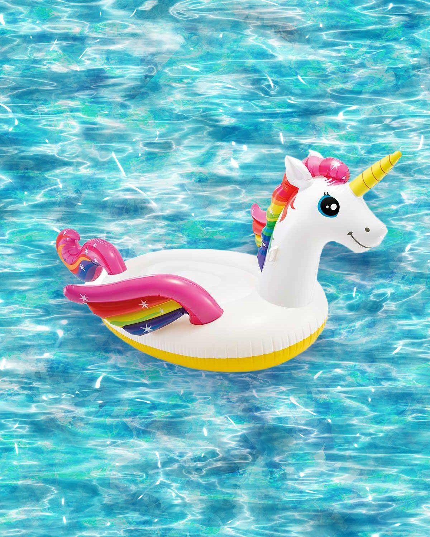 Auch Wenn Der Schwimmbadbesuch Vielleicht Warten Muss Fur Den Eigenen Pool Ist Das Einhorn Auch Einfach Toll Sommersonne S Poolpartys Pool Schwimmbader
