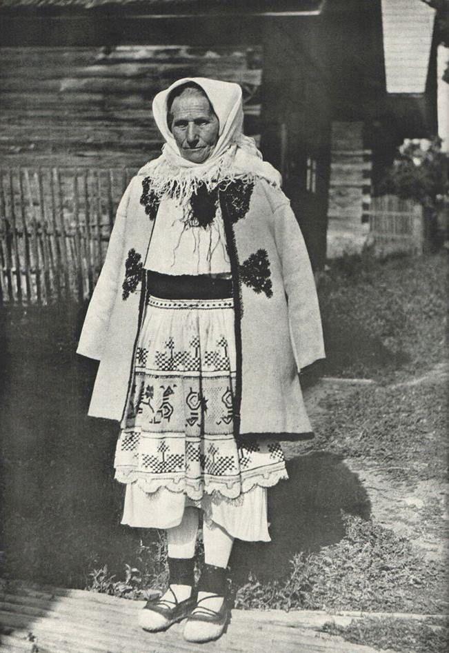 Čičmany (Horné Považie) Slovak Grandmother