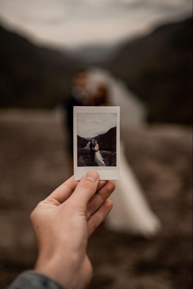 Wedding Photo Of A Polaroid Wedding Picture Poses Polaroid Wedding Cute Couple Pictures