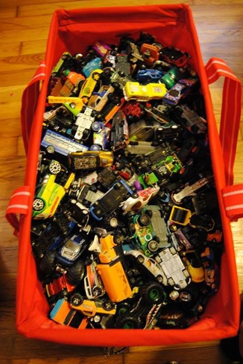 Whoa - that is a lot of matchbox cars in a Thirty-One Large Utility Tote